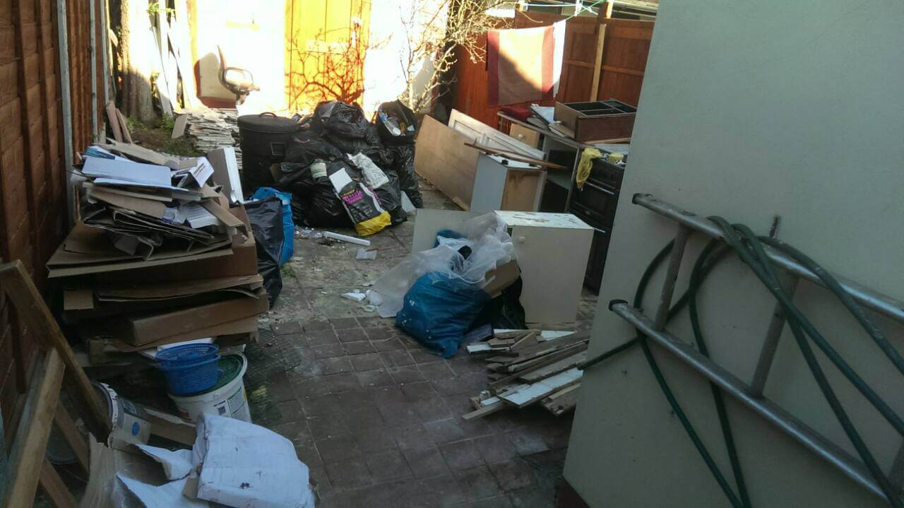 House Junk Disposal E14