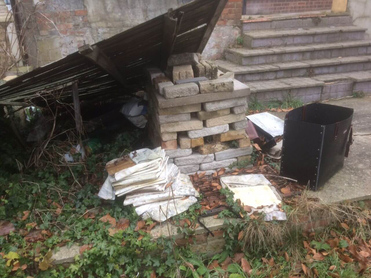 SW8 House Waste Collection Stockwell